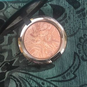 MAC limited Edition Luna Luster Highlight